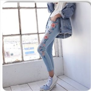 DRIFTWOOD Embroidered Skinny Jackie Jeans 26